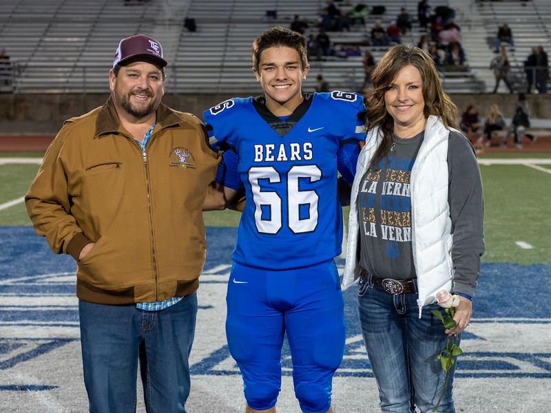 LV2019_SeniorNight-31.jpg