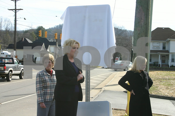 Three-Star Sign Unveiling Ceremony - January 2006