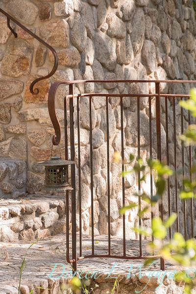 Stonework - forged iron railing - lantern_4601.jpg