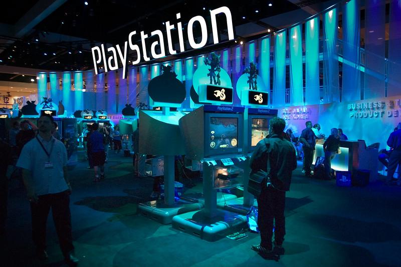 2004 05/12: Jak 3 at E3