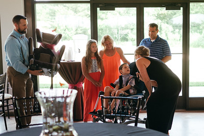 Liv Life: Popping a Cork for a Cure