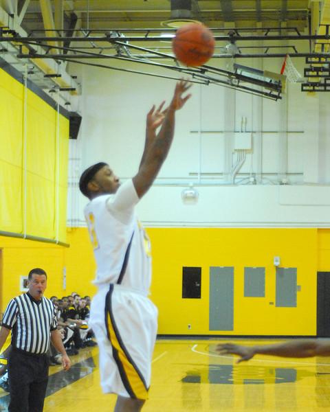 20090301_MCC Basketball_5567a.jpg