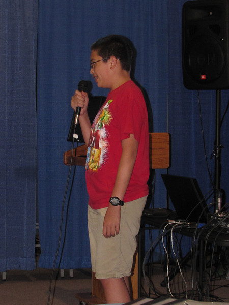Anthony singing with Garth Brooks.