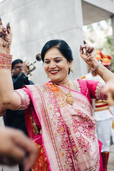 Poojan + Aneri - Wedding Day EOSR Card 1-0919.jpg