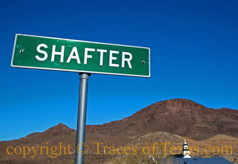 Title:  Beautiful Downtown Shafter<br /> <br /> Comments: It's sort of hard to tell when you're in Shafter and when you're in one of the suburbs. <br /> <br /> Location: Shafter
