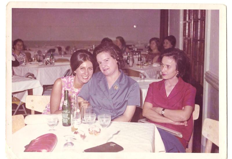Zezinha Ze' Santos, Regina, Ferreira da Silva, e Bininha Manuel Augusto.