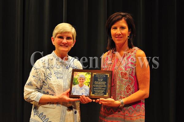 05-23-16 NEWS DHS Academic Awards