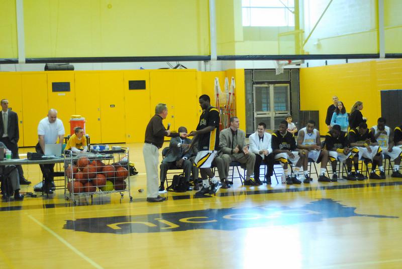 20090301_MCC Basketball_5751.JPG