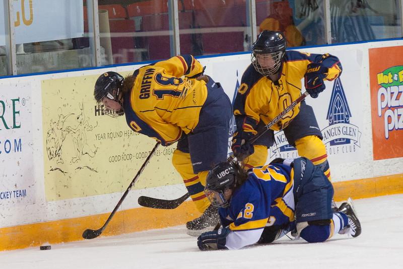 20130310 QWHockeyvsUBC 224.jpg