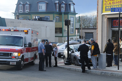 4/4/2012 - MEDFORD, MASS - AUTO ACCIDENT MEDFORD ST & DEXTER ST