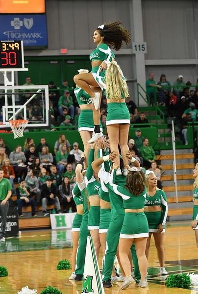 cheerleaders0401.jpg