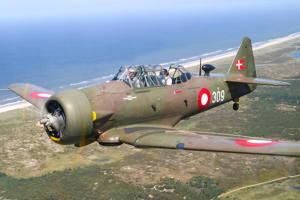 OY-IIB - Noorduyn Harvard Mk IIb
