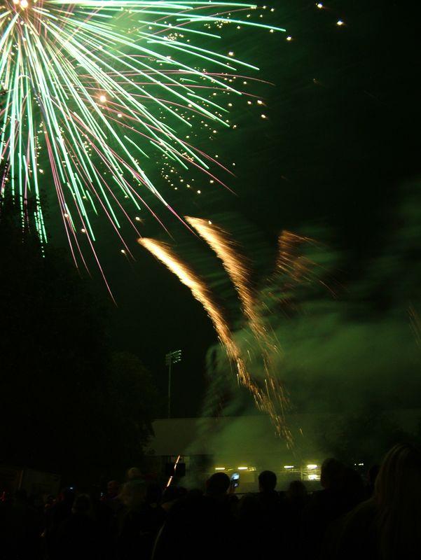 2004_1105putneyfireworks20076.JPG