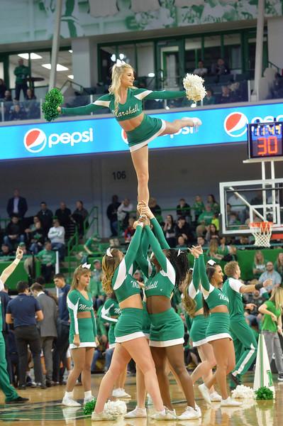 cheerleaders0519.jpg