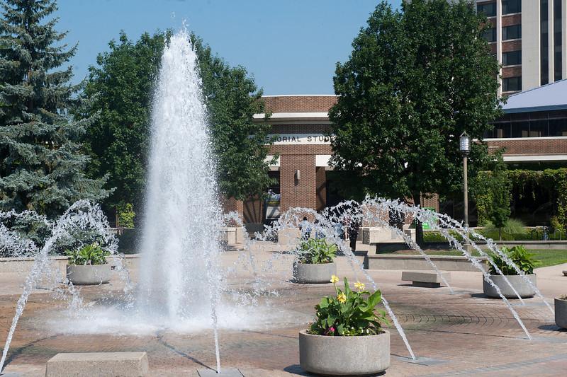 07_8_11_dede_plaza_fountain_HMSU-1607-X2.jpg