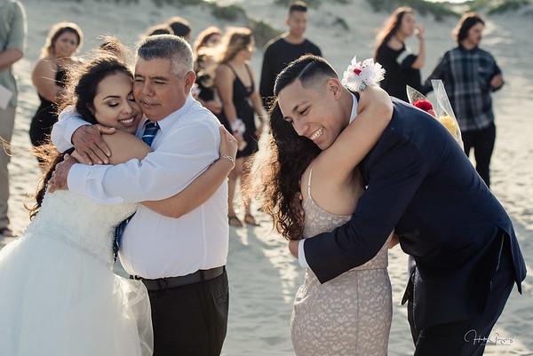 Sandra & Carlos Hugs