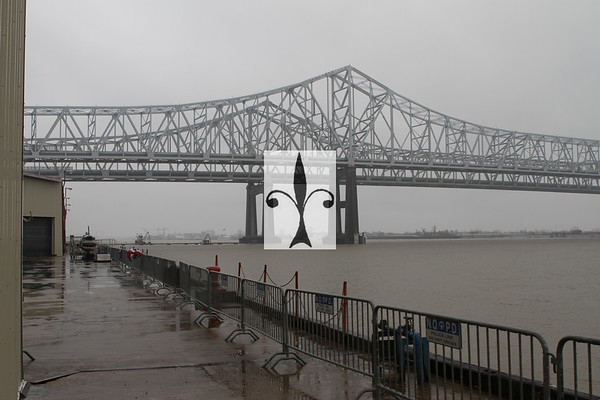 NEW ORLEANS CRESCENT CITY CONNECTION MISSISSIPPI RIVER BRIDGE @ MARDIS GRAS WORLD