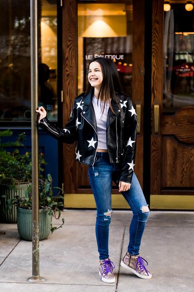 Addison-Poses-Downtown-Portraits-031.jpg