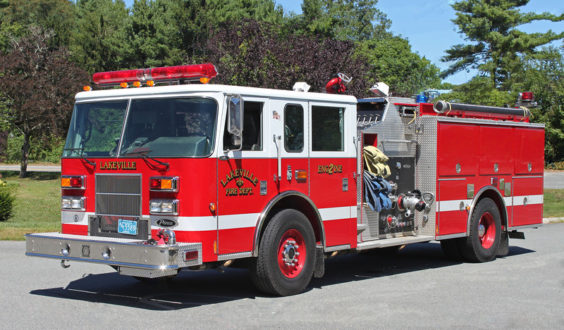 Engine 2 2003 Pierce Saber 1250/750