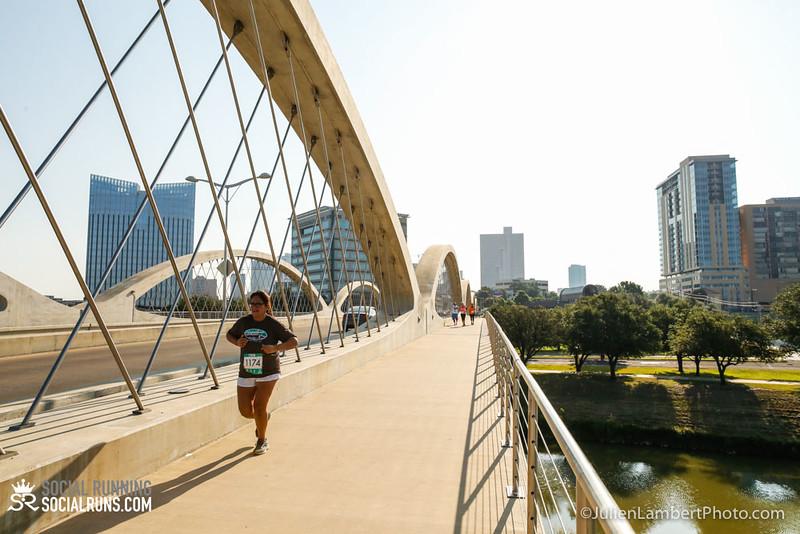 Fort Worth-Social Running_917-0323.jpg