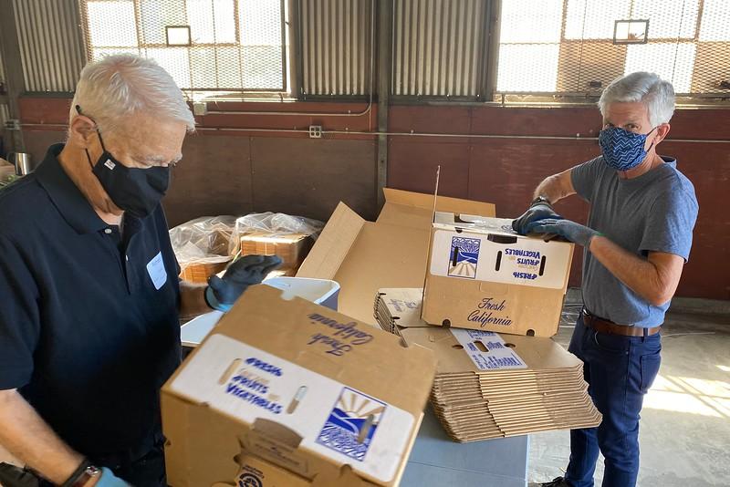 abrahamic-alliance-international-abrahamic-reunion-compassion-farm-box-packing-san-jose-2021-09-13-veggielution-warehouse-22-24-38-eva-lippmann.jpeg