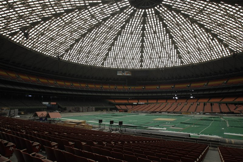 """. <p>8. ASTRODOME <p>Will Miley Cyrus be straddling the wrecking ball? (unranked) <p><b><a href=\'http://www.khou.com/sports/Fate-of-iconic-Houston-Astrodome-up-to-voters-230735911.html\' target=\""""_blank\""""> HUH?</a></b> <p>   (AP Photo/Pat Sullivan, File)"""