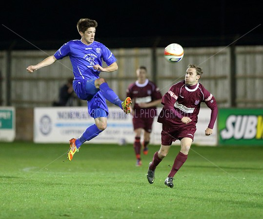 CHIPPENHAM TOWN V PAULTON ROVERS MATCH PICTURES