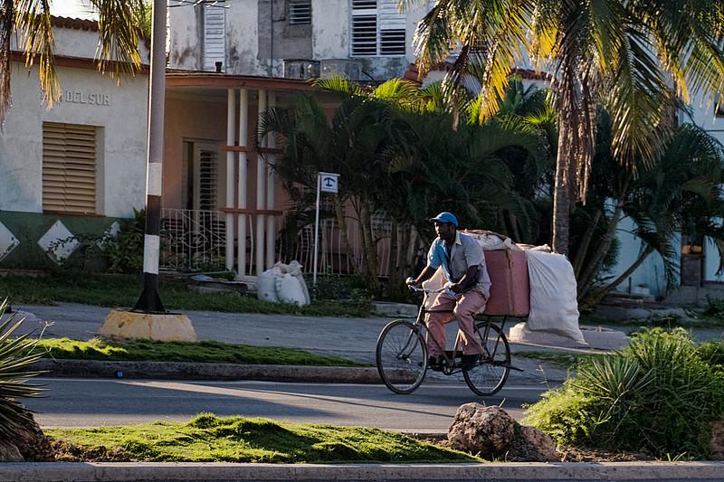 Cuba Cienfuegos bicycle rider 6680.jpg