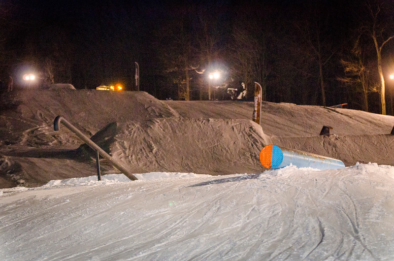 Nighttime-Rail-Jam_Snow-Trails-1.jpg