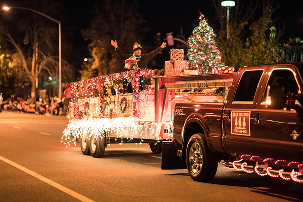 Light_Parade_2016-05153.jpg