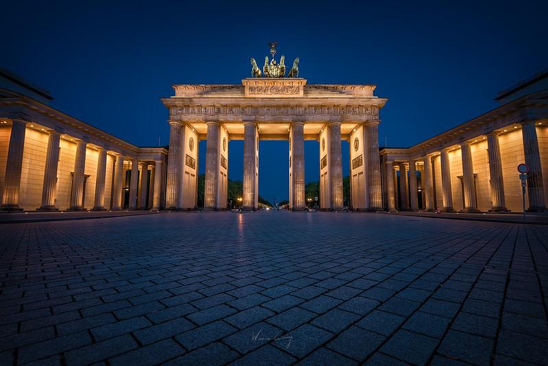 Brandenburg-gate-bluehour-1-new-2.jpg
