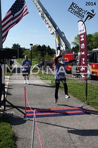 2014 10 Miler Finish Line