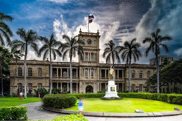 Ali'iolani Hale and King Kamehameha I Statue
