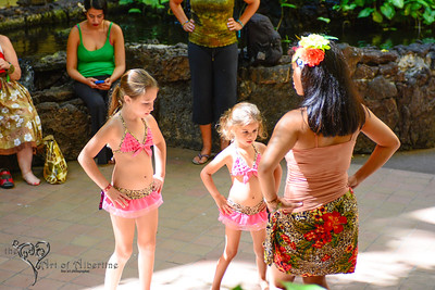 Let's Get Hip to Hula! with Di'Lovely