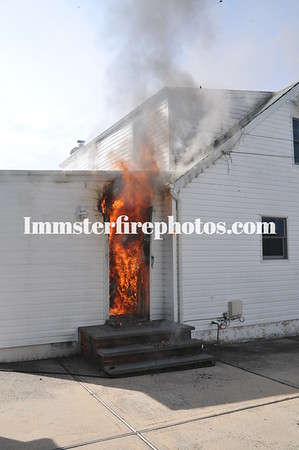 HICKSVILLE FD LINDEN BLVD FIRE 8-21-12