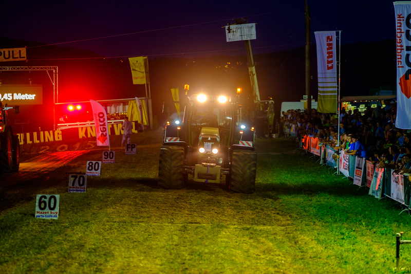Tractor Pulling 2015-2116.jpg