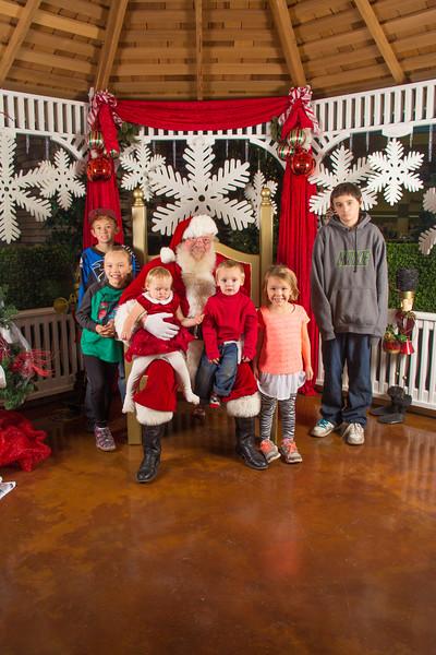Santa 12-16-17-152.jpg