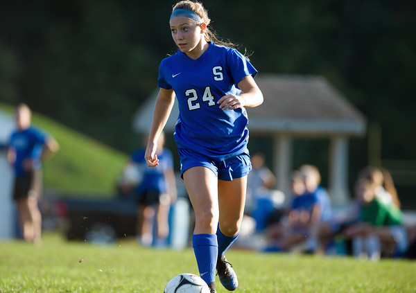 10/09/18 Wesley Bunnell | Staff Southington girls soccer defeated Platt at home on Tuesday afternoon. Talie Richardson (24).