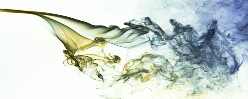 Smoke Trails 4~8423-2w.