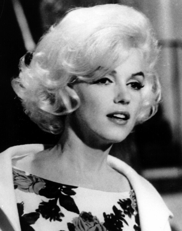 ". Actress Marilyn Monroe is shown on the set of her last movie, ""Something\'s Got To Give,\"" in Los Angeles in this April 1962, file photo.  (AP Photo, file)"