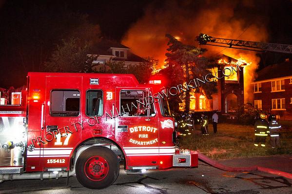 Detroit 2689 Elmhurst two dwellings