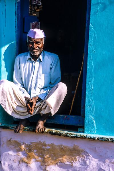 20121207-20121207-cult_india_19.jpg