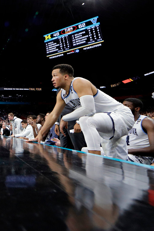 . Villanova\'s Jalen Brunson watches from the bench during the second half in the championship game of the Final Four NCAA college basketball tournament against Michigan, Monday, April 2, 2018, in San Antonio. (AP Photo/David J. Phillip)