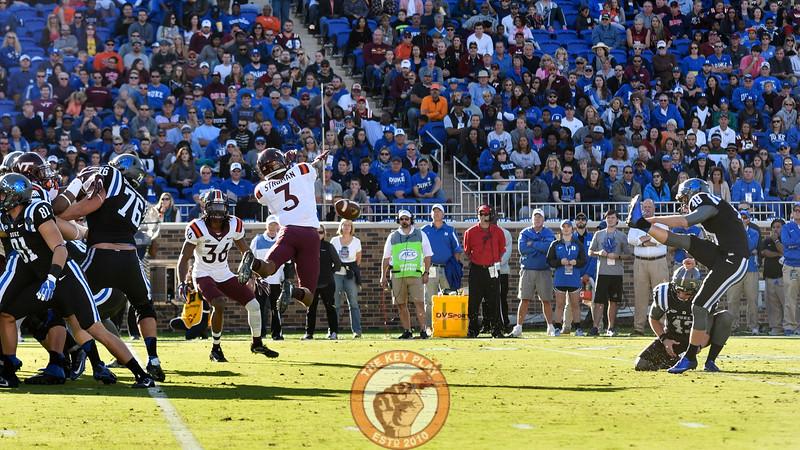 Virginia Tech defensive back Greg Stroman (3) blocks the field goal attempt by Duke kicker AJ Reed (48). (Michael Shroyer/TheKeyPlay.com)
