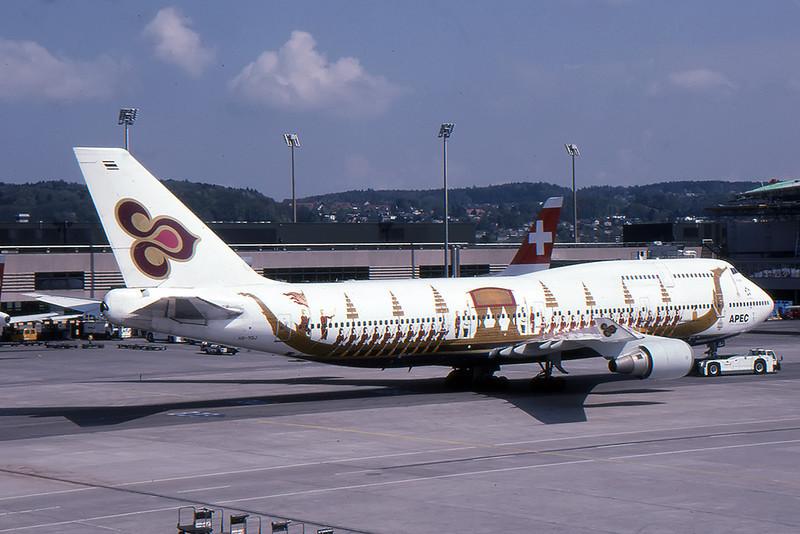 Thai_01_747_HS-TGJ.jpg