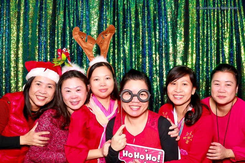 Medtronic Holiday Party -8.jpg
