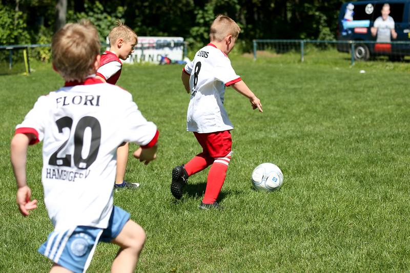 hsv_fussballschule-518_48047999808_o.jpg
