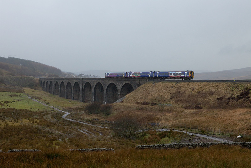 DMU headed for Settle on Moorcock (Dandry Mire) Viaduct.