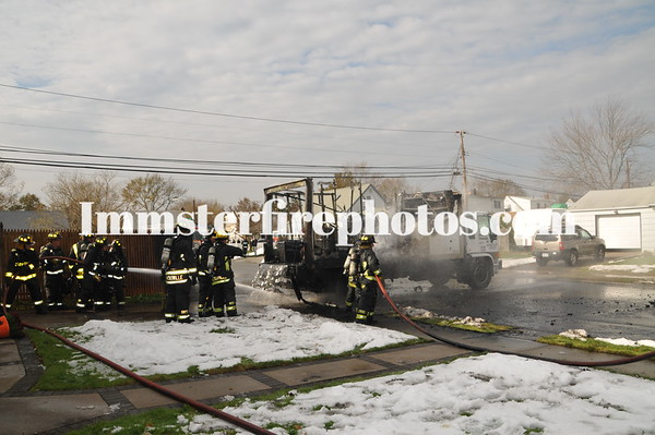 HICKSVILLE FD TRUCK FIRE AND SPILL