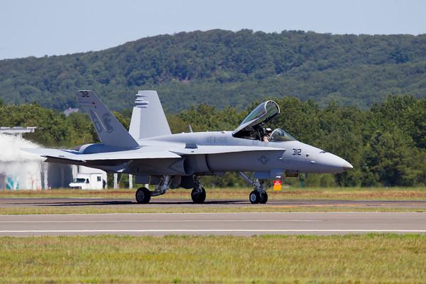 F/A-18C Hornet, US Navy East Coast Hornet Demo Practice 8-20-10